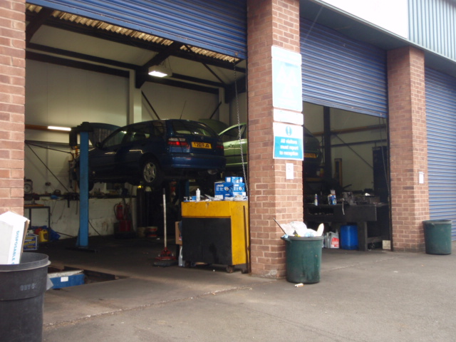 garage aston ext