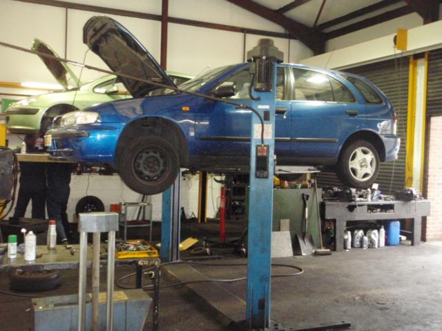 garage aston int close mar12